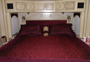 08 eagle bedroom night