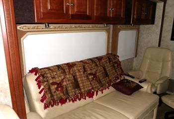 10 meridian sofa night shade