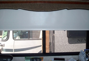 06 windsor desk day+night shade